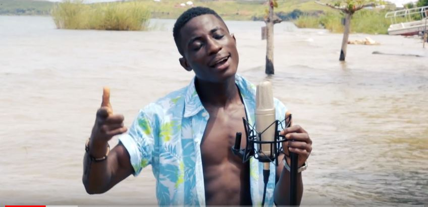 Photo of New VIDEO & AUDIO: Ommy Dimpoz ft. Seyi Shay – Yanje | Cover by Bosco Tones