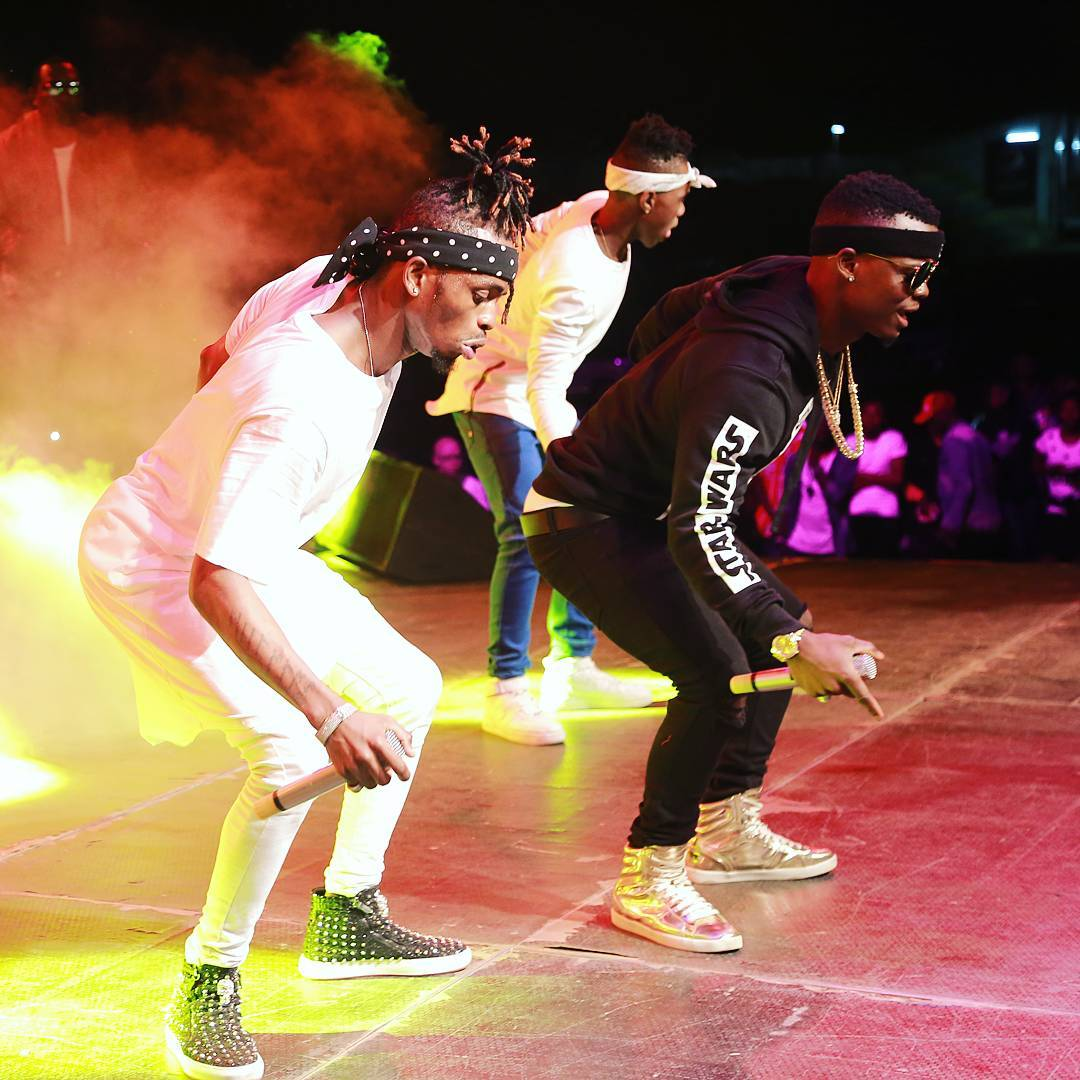 Photo of Harmonize ft Diamond Platnumz – Bado (Live Performance at Wasafi Beach Party)