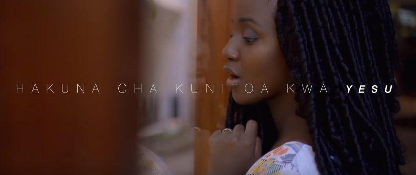 Photo of New Gospel VIDEO: Nancy Hebron – Hakuna Cha Kunitoa Kwa Yesu