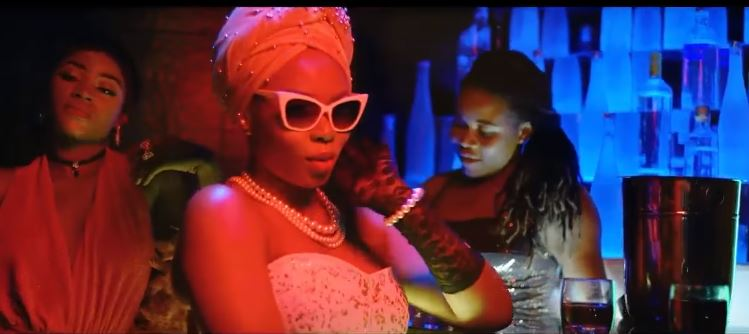 Photo of Bez ft Yemi Alade (Video) – You Suppose Know | Mp4 Download
