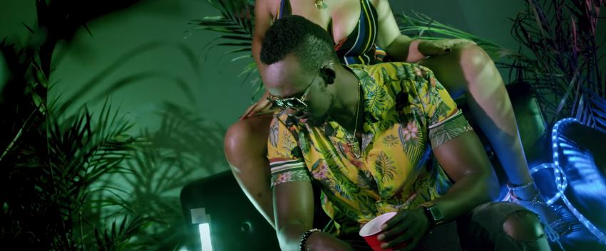 Photo of New VIDEO: Meddy – Adi Top