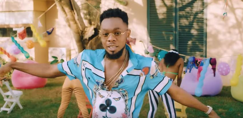 Photo of New VIDEO: Timaya ft King Perryy & Patoranking – Kom Kom