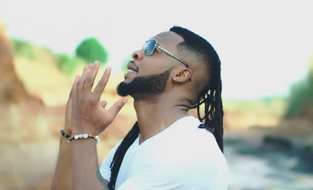 Photo of New VIDEO: Flavour ft Umu Obiligbo – Awele