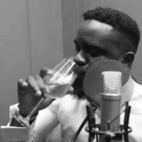 Photo of New AUDIO: Sarkodie – Fvck You (Freestyle)