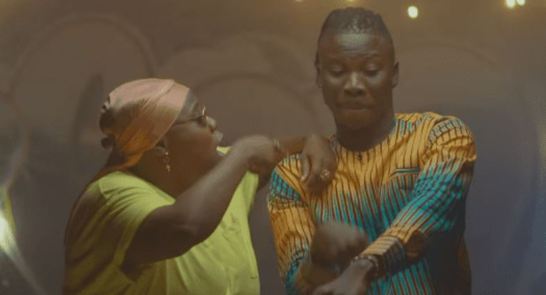 Photo of New VIDEO: Stonebwoy ft. Teni – Ololo