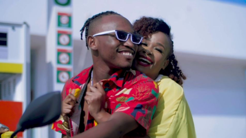 Photo of New VIDEO: Kayumba Ft Linah – Umeniweza